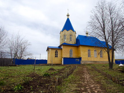 Монашево. Церковь на холме
