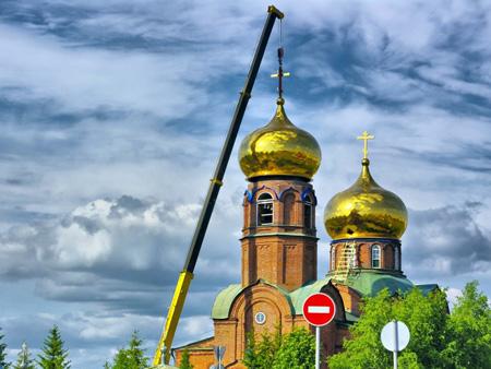 На Боровецкой церкви установлены новые купола