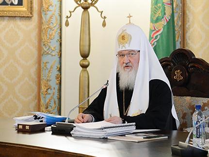 Патриарх Кирилл выступает за прекращение насилия на Украине