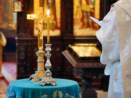 Духовенство молится о пострадавших в результате беспорядков в Киеве