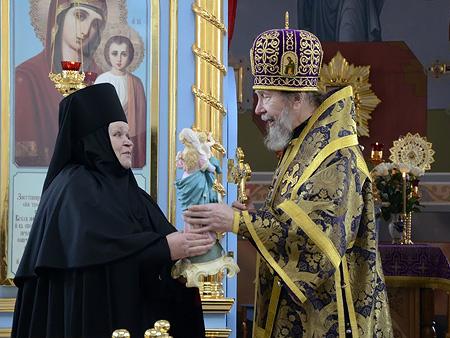 Митрополит поздравил игуменью Елабужского монастыря с юбилеем