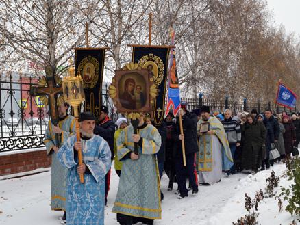 Митрополит Серафим совершил литургию вСпасо-Преображенском мужском монастыре